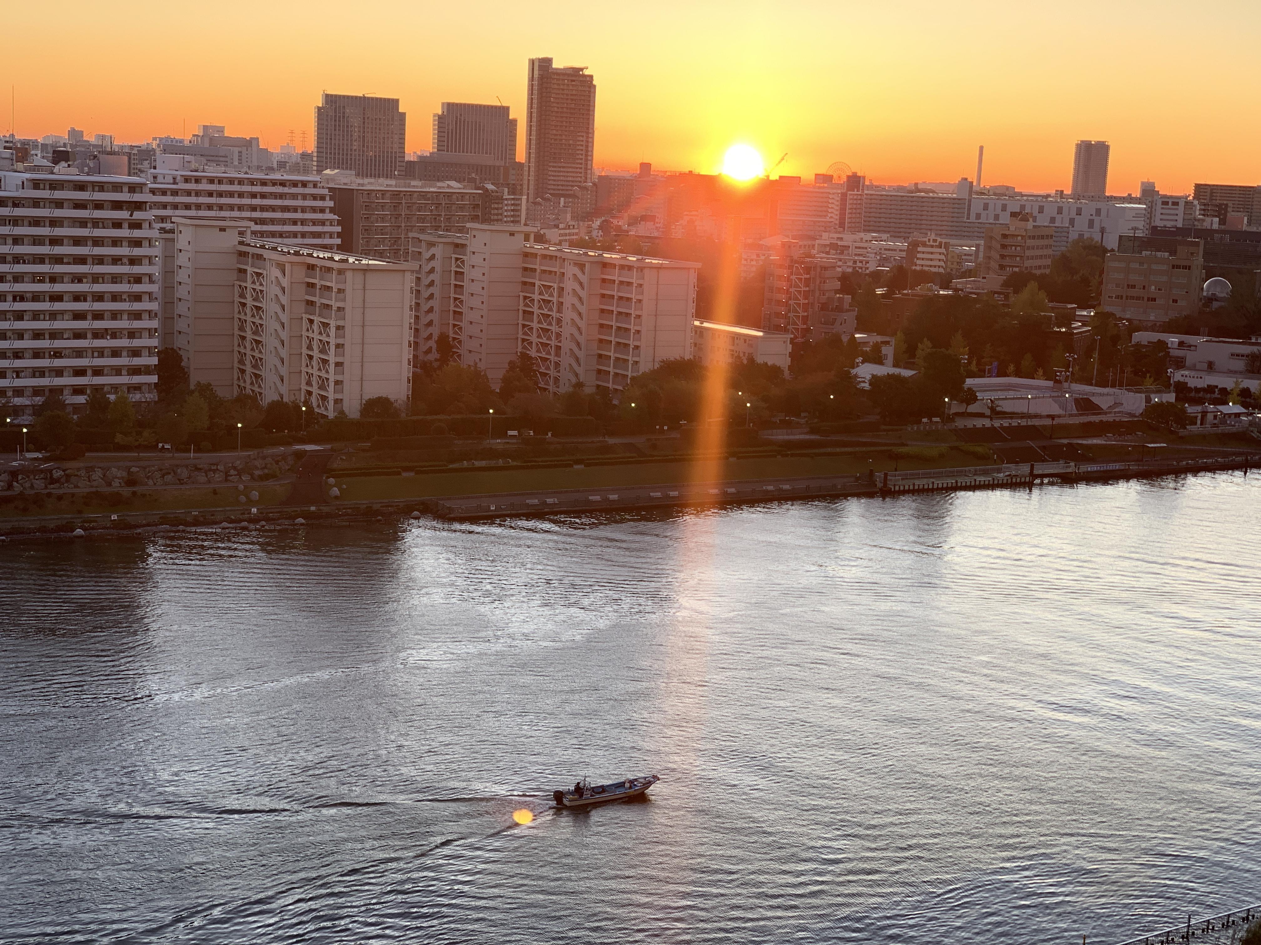 街が目覚める瞬間「人間関係」