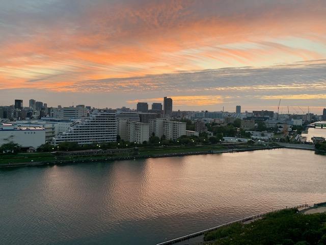 雲が綺麗な朝焼け「習慣を見直そう」