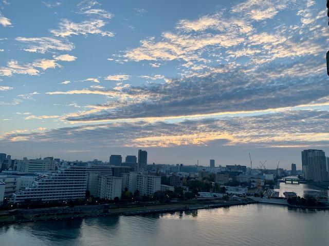 雲が輝く朝「距離感」
