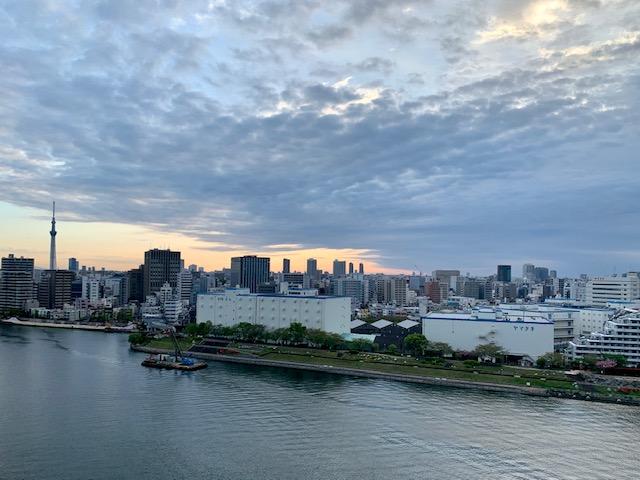 雲が多めの朝「一生懸命なら後悔は要らない」