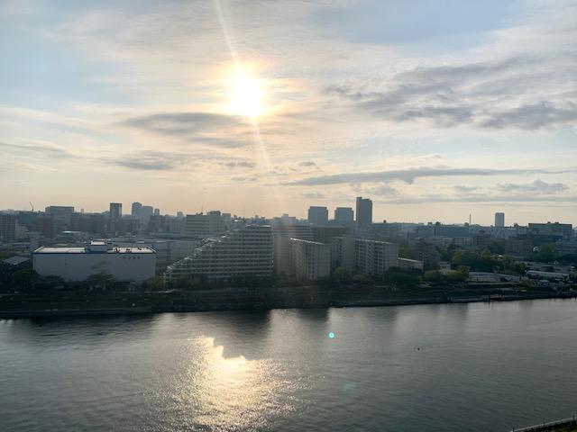 空も川もキッラキラの朝「直感」