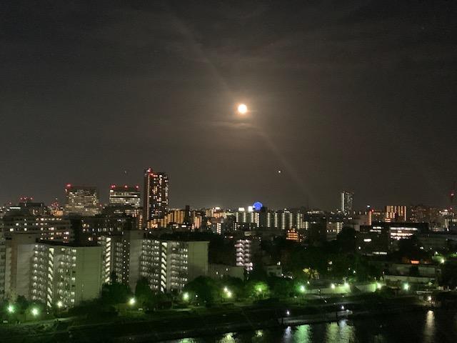 蠍座満月・煌々と輝いてます