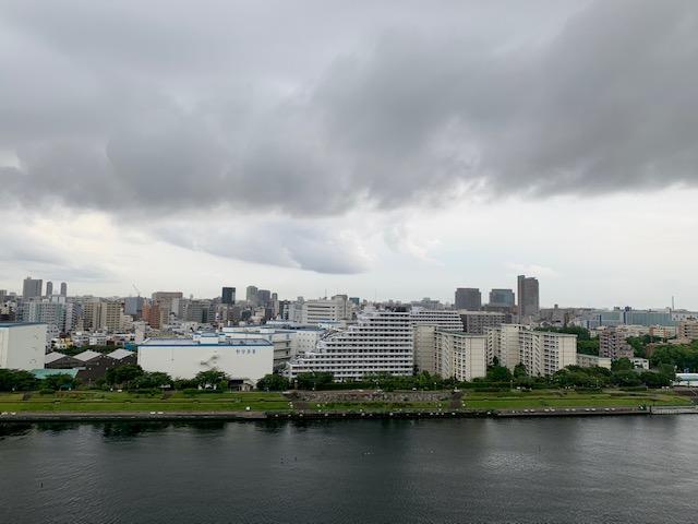 吸い込まれそうな雲「今日から始める」