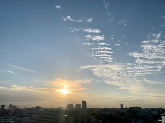 秋晴れ大きな鳥が飛び立つ様な雲「なりたい自分をイメージする」