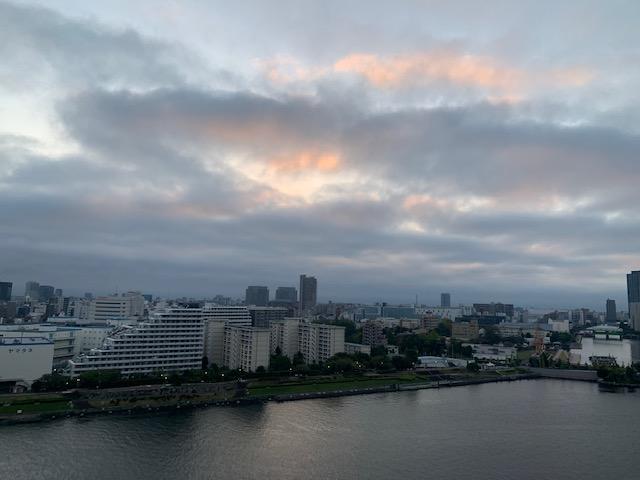 柔らかい日差しの朝「ゆっくり フリータイム」